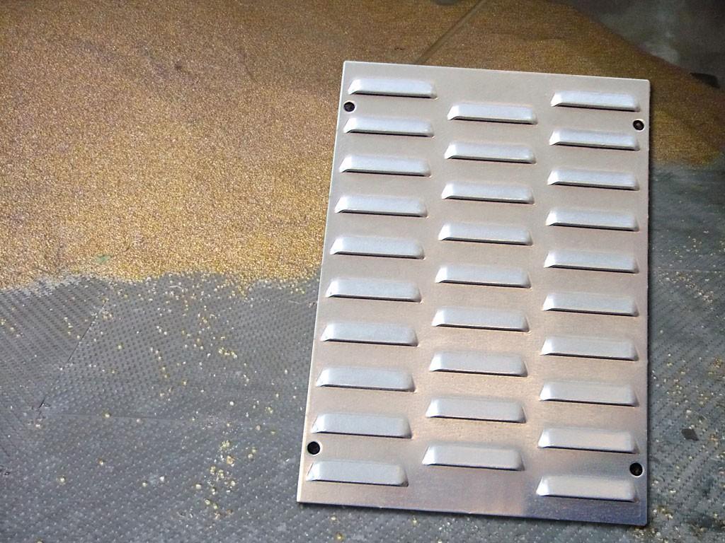 Die Düsenöffnungen sind klein gehalten – dadurch kann kein Material in den Druckraum gelangen. Ideal für Hackschnitzel- Getreide-, oder Teetrocknungen