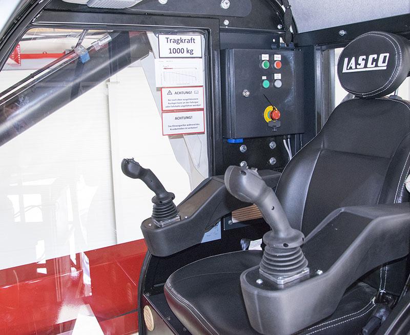 heukran-kabine-mit-vorsteuerung